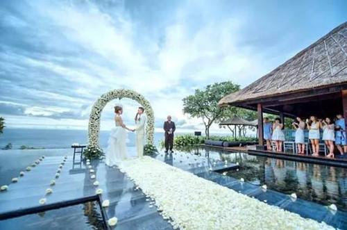 海岛婚礼适合在哪里办 4个准备让海岛婚礼更完美