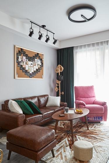 90平混搭风格装修客厅效果图