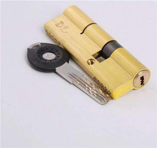 今天小编就来和大家讲解一下 防盗门锁芯多少钱和防盗门锁芯怎么选购
