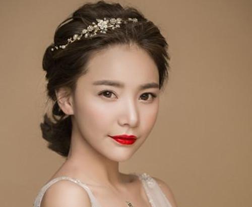 短发新娘盘发图片欣赏 三种魅力新娘必备的短发造型图片