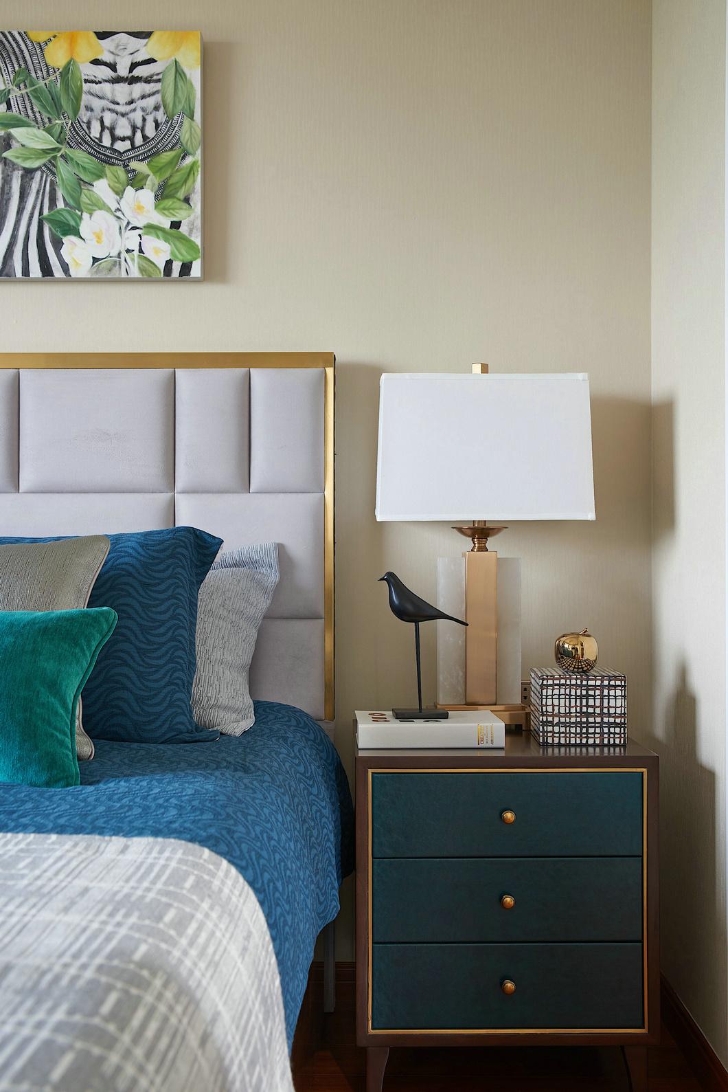 法式风格别墅装修样板间床头柜图片