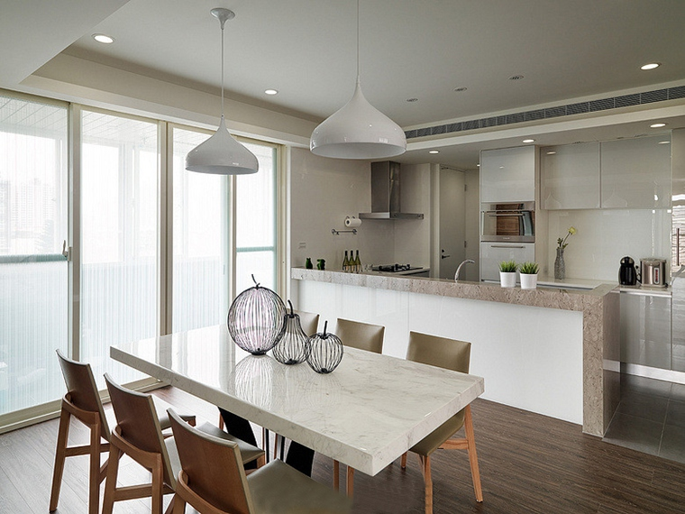 两室两厅简约风格装修餐桌摆件