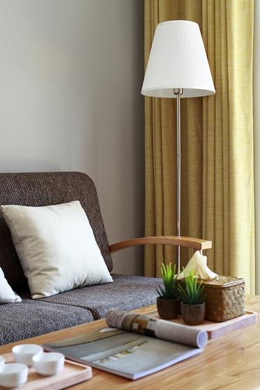 90平日式风格两居室装修客厅地灯图片