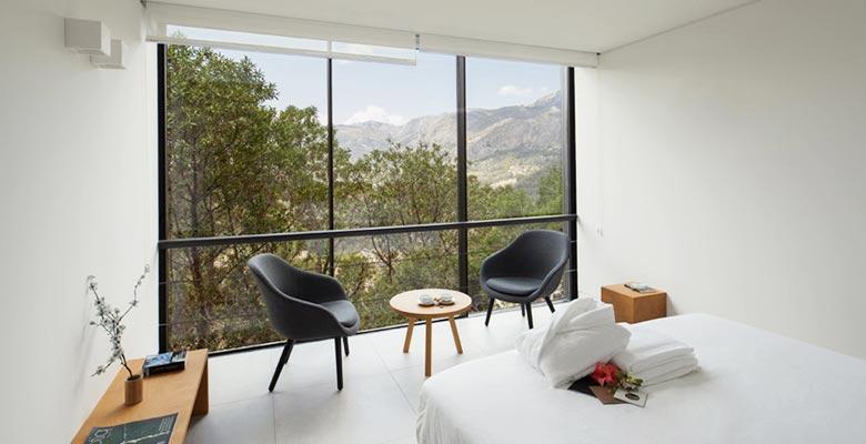 卧室落地窗装修装饰效果图