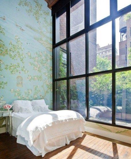 卧室落地窗装修摆放图