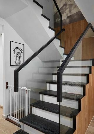 180平大户型装修楼梯图片