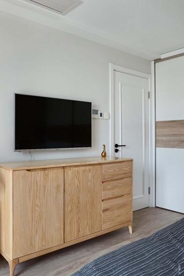 北欧风格三居室装修卧室收纳柜