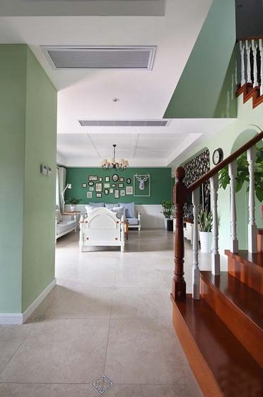 最漂亮的小复式装修楼梯图片