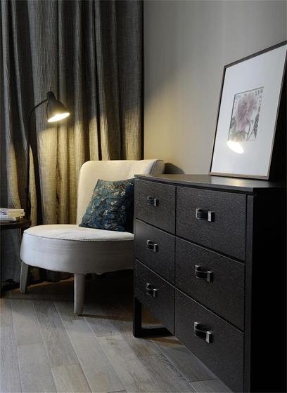 现代风格三居室装修收纳柜图片