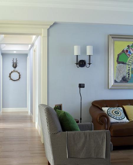 130平三居室装修布艺沙发图片