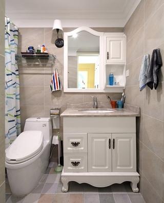 130平三居室装修浴室柜图片