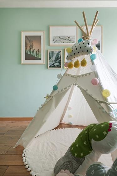 现代原木风三居室装修儿童房效果图