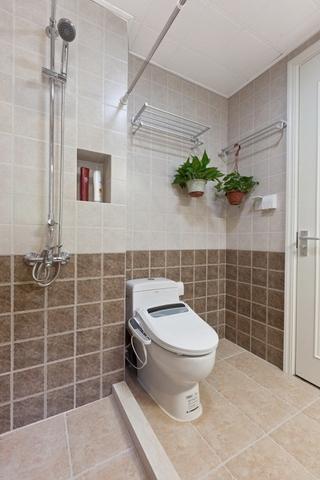 80平清新美式风格装修卫生间图片