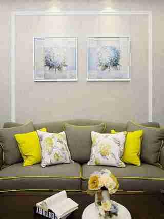 90平美式风格装修客厅装饰画
