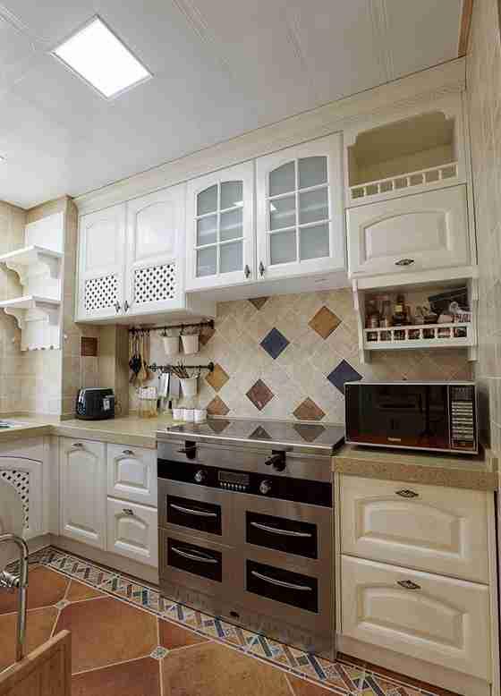 120平三居室装修厨房装潢图