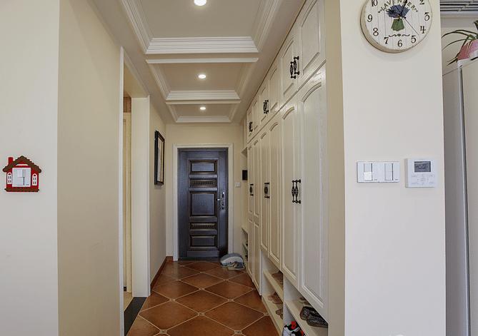 120平三居室装修过道图片