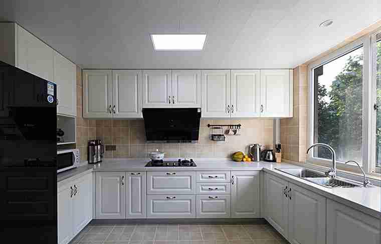 200平大户型装修厨房装潢图