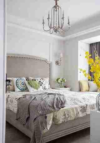 90平三居室装修卧室效果图
