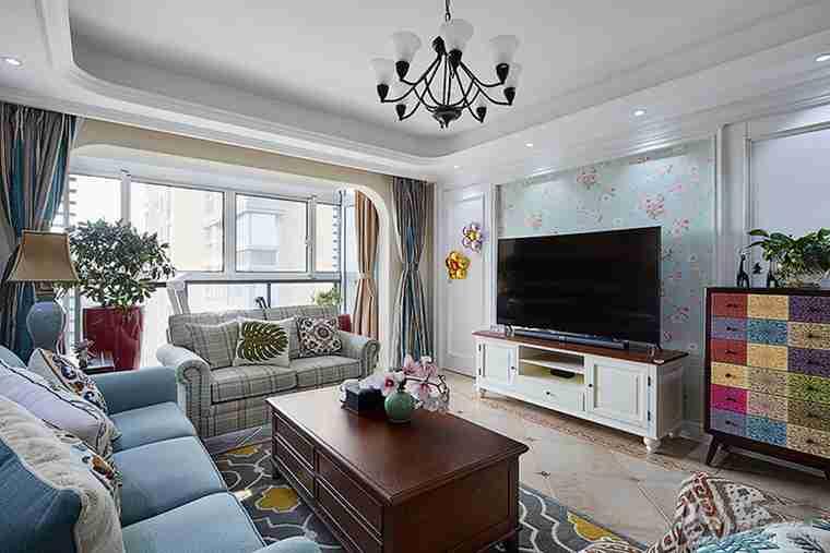 美式风格四房装修电视背景墙