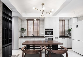 120平三居室装修餐厨一体化