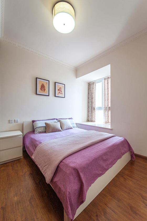 80平两居室装修主卧图片