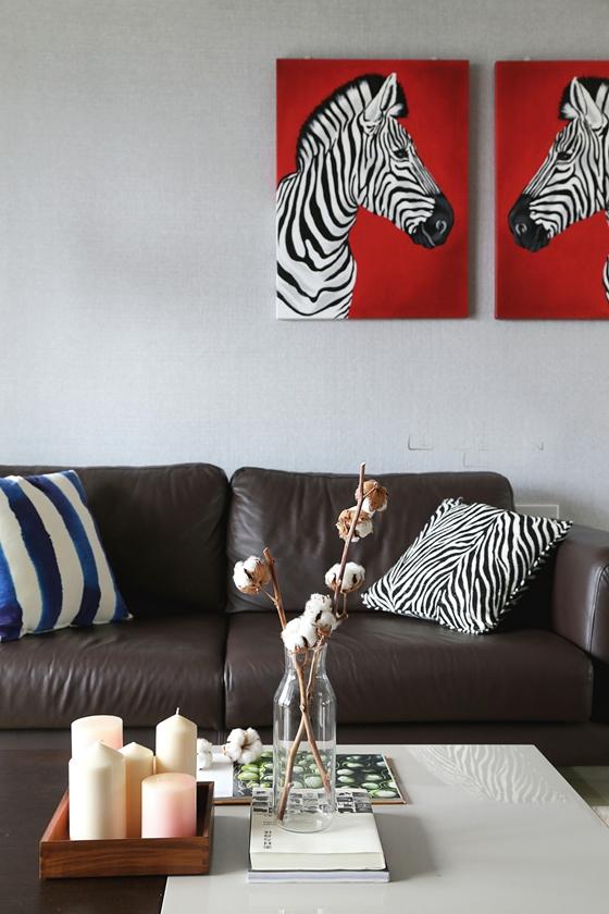 时尚两居室装修真皮沙发图片