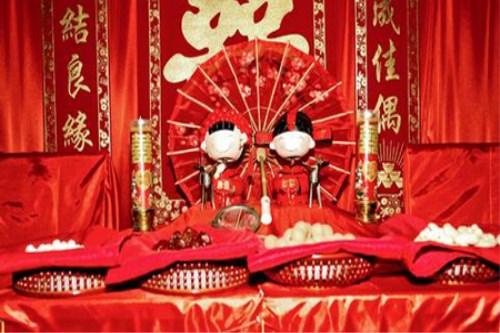 结婚的习俗有哪些 传统婚礼铺床有什么讲究