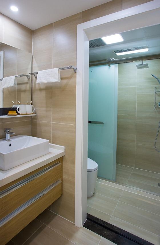 90平蓝调小户型卫生间装修图