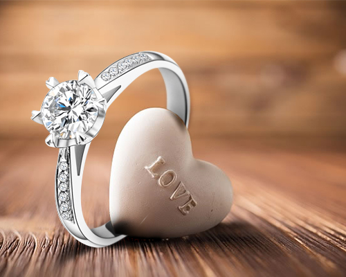 戒指戴哪只手好,女性戴戒指都有哪些戴法和意义