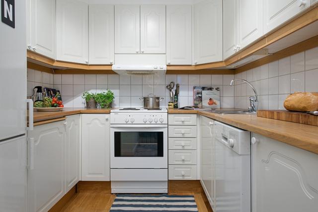 u型厨房布局:u型布局对厨房面积有一定要求,趋向于大开间的正方形厨房