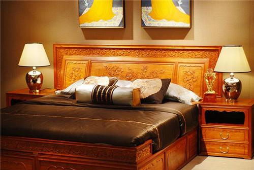如何选购红木床