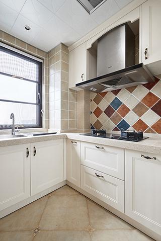80平温馨小家好清新厨房效果图