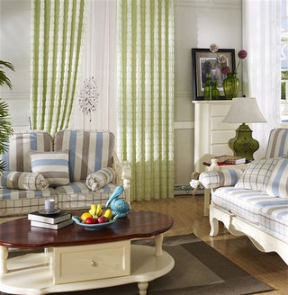 客厅布艺窗帘装饰图