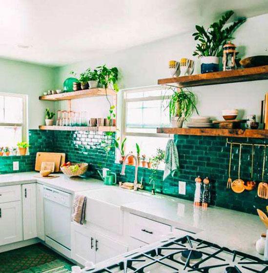 清新绿色厨房瓷砖实景图