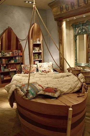 地中海风格创意船型床图片