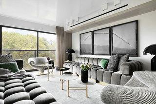 国外时尚复式住宅装修客厅实景图