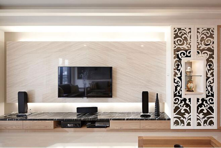 原木日式风格装修电视背景墙图片