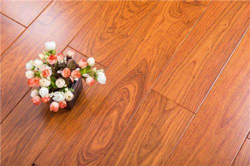 木地板怎么铺 木地板是横铺好还是竖铺好