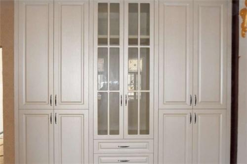 衣柜罗马柱安装方法图 罗马柱衣柜如何安装图片