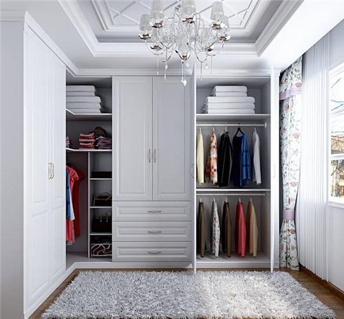 衣柜定制什么牌子好  定制衣柜多少钱一平米