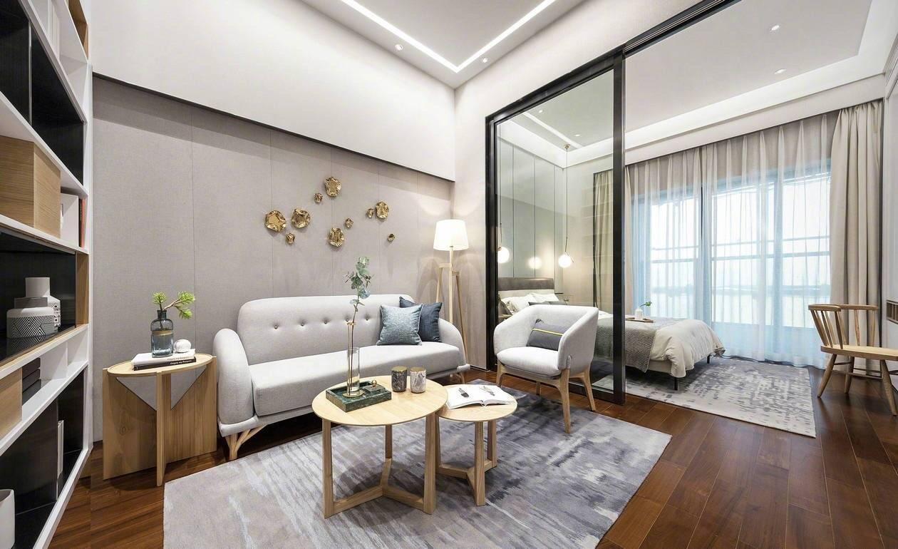 非常适合三口之家,或是小情侣们制造二人世界首先是客厅的全景图,沙发