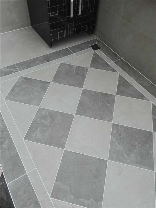 效果图给人干净整洁的感觉,白灰色的地砖搭配,让人看着很舒适.