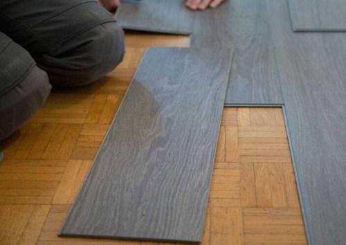 瓷砖上铺木地板行吗 瓷砖上面铺木地板要注意什么