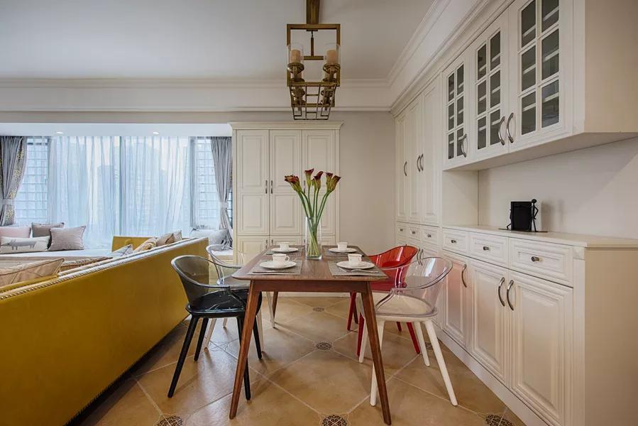 96㎡现代美式 没阳台的客厅 这样装修正舒服!图片