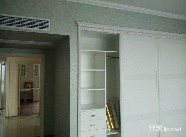 110㎡欧式风装修卧室衣柜图片