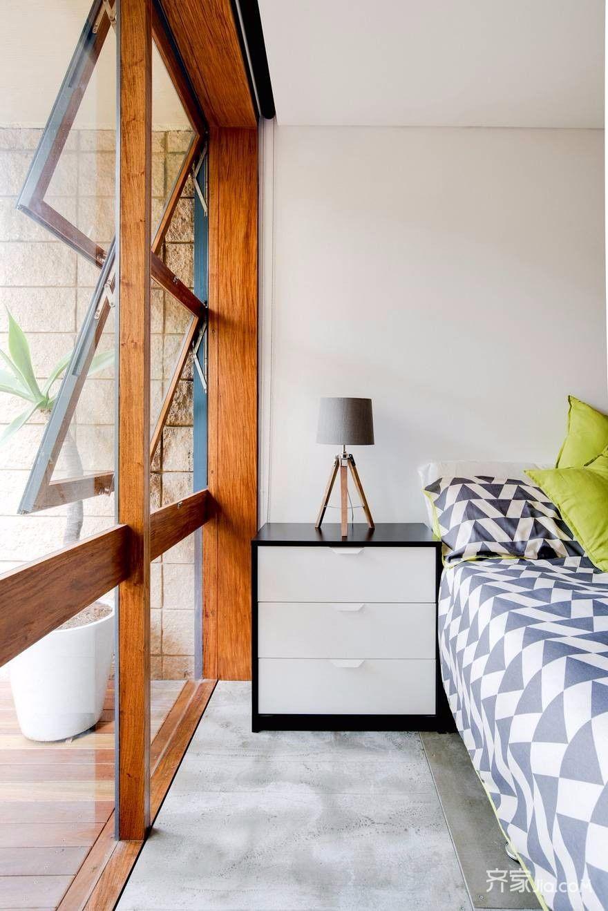 70平小户型装修卧室床头柜