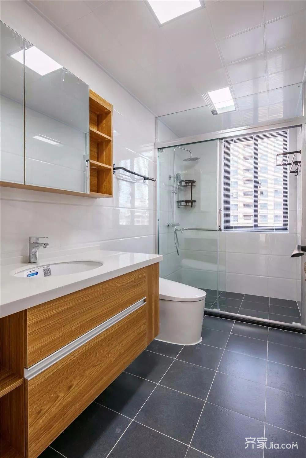 简约风格两居室装修卫生间效果图