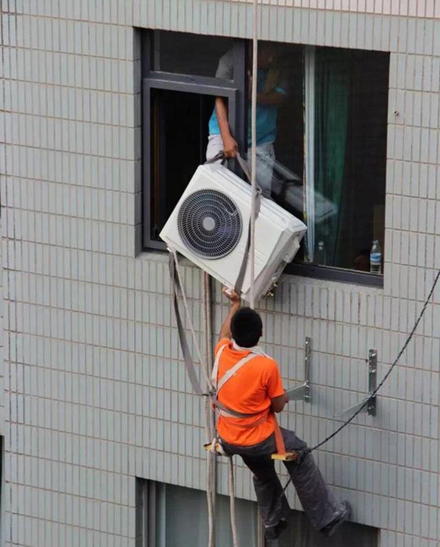 我们空调都分体式,美国人的空调却挂在窗户上!是落伍还是先进?