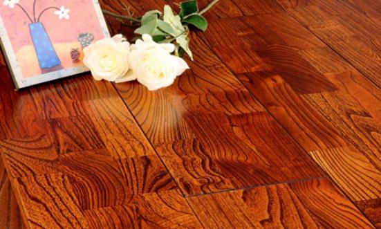瓷砖VS地板,客厅装修用哪个?