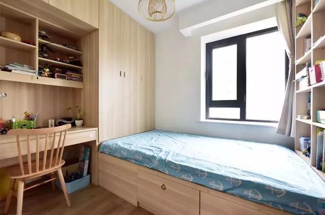 榻榻米的床尾应该装什么柜才是最好呢?